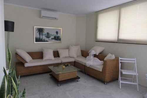 7 zimmer villa in ibiza zu verkaufen. Black Bedroom Furniture Sets. Home Design Ideas