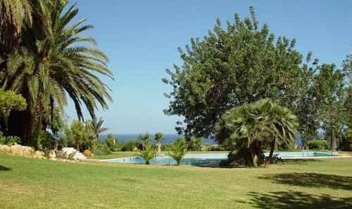 Luxus Villa zur Miete in Atalaia
